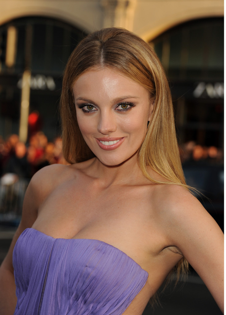 Bar paly butt in pain amp gain 7
