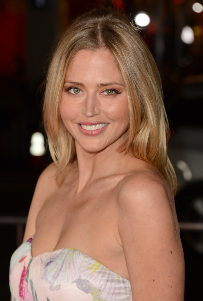 Estella Warren Photos Photos Premiere Of Relativity Medias Safe