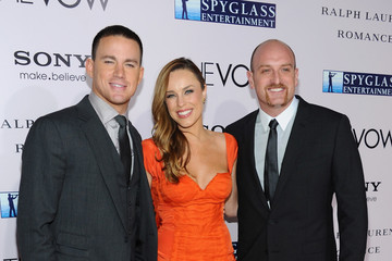 """Jessica McNamee Michael Sucsy Premiere Of Sony Pictures' """"The Vow"""" - Red Carpet"""