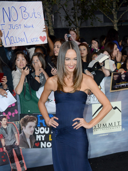 "Model Sharni Vinson arrives at the premiere of Summit Entertainment's ""The Twilight Saga: Breaking Dawn - Part 2"" at Nokia Theatre L.A. Live on November 12, 2012 in Los Angeles, California."