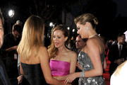 Leslie Mann and Kate Upton Photos Photo