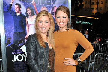 "Collins Tuohy Premiere Of Warner Bros. Pictures' ""Joyful Noise"" - Red Carpet"