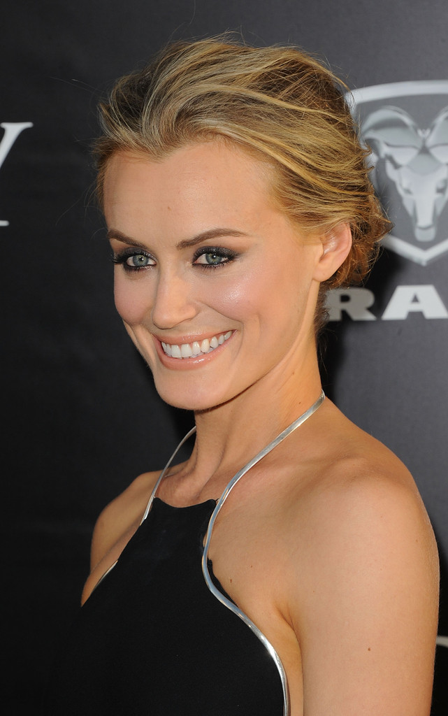 Taylor Schilling Photos Photos - Red Carpet at 'The Lucky ...Taylor Schilling Roles
