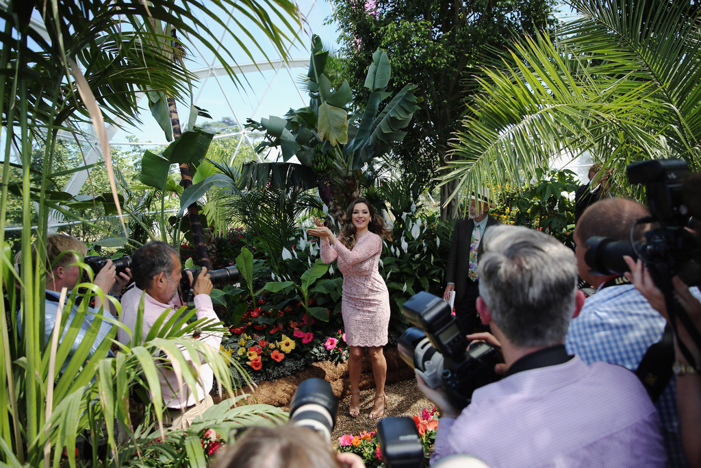 Kelly brook photos photos zimbio - Hampton court flower show ...