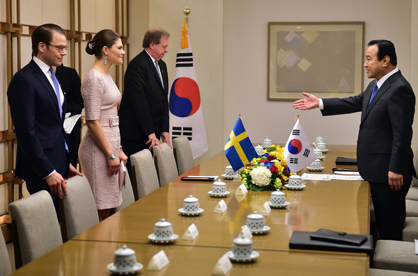 Crown Princess of Sweden Victoria Visits South Korea - Day 2 [event,management,job,official,employment,meeting,collaboration,businessperson,crown princess,lee wan-koo,victoria,daniel of sweden,sweden victoria,south korea,residence,sweden,l,meeting]