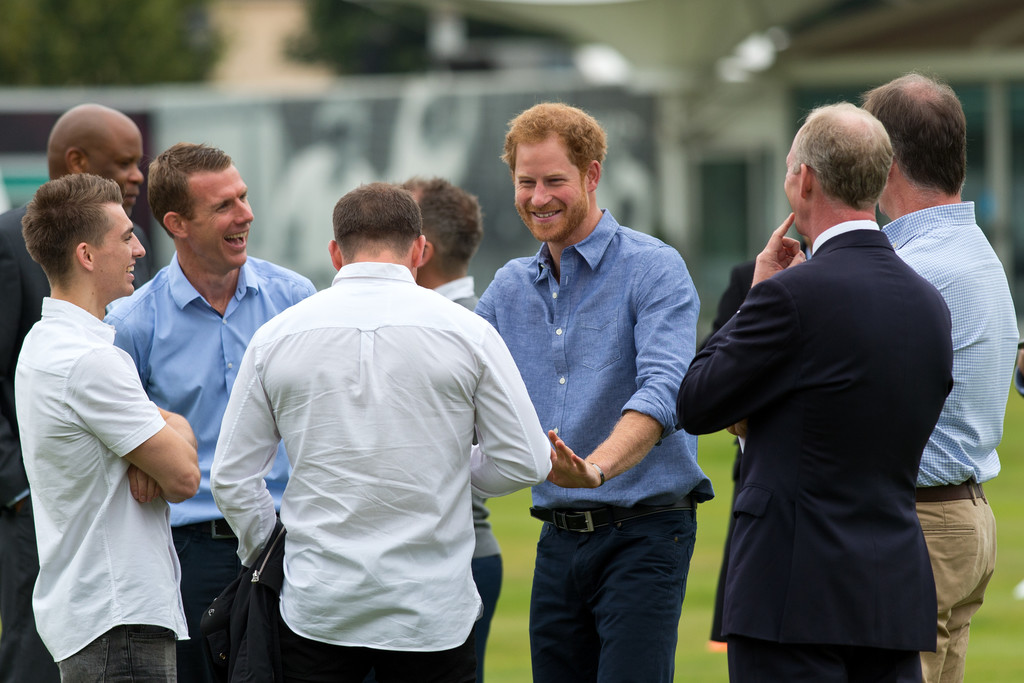 http://www4.pictures.zimbio.com/gi/Prince+Harry+Celebrates+Expansion+Coach+Core+iw3cwAsdoTfx.jpg