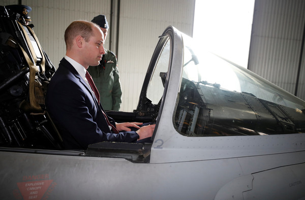 Prince+William+Duke+Cambridge+Visits+RAF+Coningsby+Rt3O_EN3AVDl.jpg
