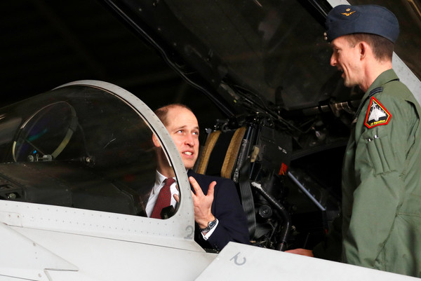 Prince+William+Duke+Cambridge+Visits+RAF+Coningsby+TiugpzSYN6el.jpg