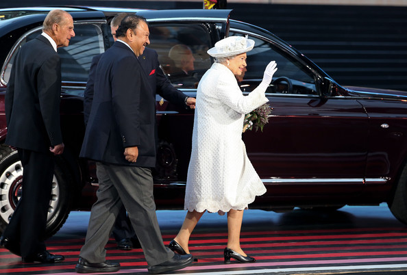 Queen Elizabeth II Queen Elizabeth II, Patron of the CGF walks with Prince Imran the CGF President during the Opening Ceremony for the Glasgow 2014 Commonwealth Games at Celtic Park on July 23, 2014 in Glasgow, Scotland.
