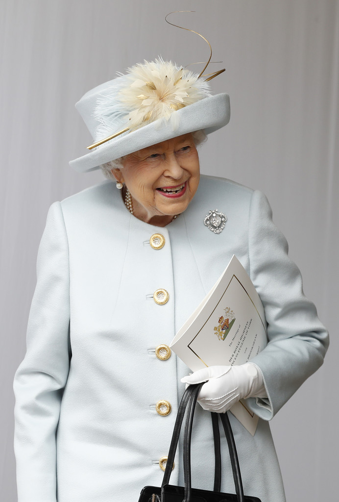 http://www4.pictures.zimbio.com/gi/Queen+Elizabeth+II+Princess+Eugenie+York+Marries+Xa4zbiBPkvkx.jpg