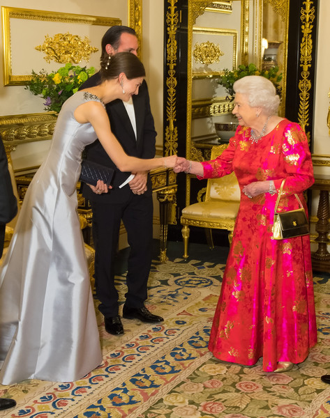 Private Dinner With Queen Elizabeth II At Windsor Castle [gown,ceremony,dress,flower,pink,bride,lady,tradition,formal wear,marriage,elizabeth ii,princess salwa aga khan,imam,dinner,shia,diamond jubilee,honour,leadership,windsor castle,dinner,aga khan iv,elizabeth ii,windsor castle,aga khan,shia islam,ismailism,diamond jubilee,imam,princess salwa aga khan]
