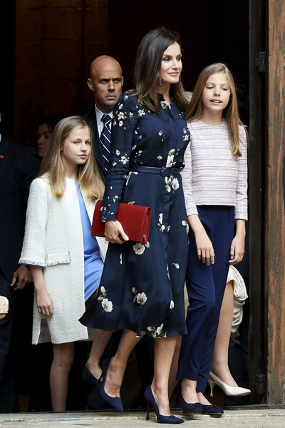 Misa de Pascua 2019 - Página 2 Queen+Letizia+Spain+Spanish+Royals+Attend+0zQRvLR-9Czl