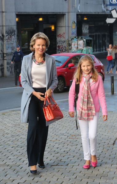 Queen+Mathilde+Queen+Mathilde+Belgium+brings+VgbNwgmMyi-l.jpg