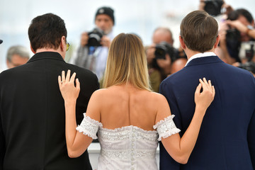 """Quentin Tarantino Margot Robbie """"Once Upon A Time In Hollywood"""" Photocall - The 72nd Annual Cannes Film Festival"""