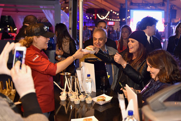 Rachael Ray Beyond Meat Crashes The Burger Bash At South Beach Wine & Food Festival