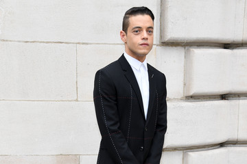 Rami Malek Dior Homme : Front Row - Paris Fashion Week - Menswear Spring/Summer 2018