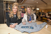 """Reality TV personalities and Real Housewives of New York City Sonja Morgan (L) and Ramona Singer visit """"Extra"""" at The Levi's Store Times Square on March 04, 2019 in New York City."""