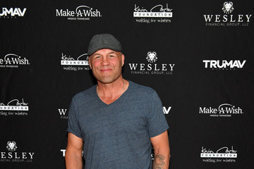 Randy Couture Waiting For Wishes Celebrity Waiters Dinner With Kevin Carter & Jay DeMarcus