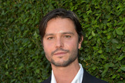 Actor Jason Behr arrives at the Rape Treatment Center Brunch honoring Norman Lear hosted by Viola Davis at a Private Residence on October 14, 2012 in Beverly Hills, California.