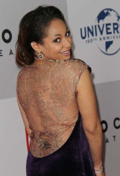 ... party arrivals in this photo raven symone actress raven symone arrives