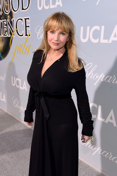 UCLA IoES Honors Barbra Streisand And Gisele Bundchen At The 2019 Hollywood For Science Gala [clothing,dress,little black dress,premiere,hairstyle,fashion,carpet,blond,event,long hair,barbra streisand,gisele bundchen,rebecca de mornay,2019 hollywood for science gala,2019 hollywood for science gala,california,beverly hills,ucla ioes]