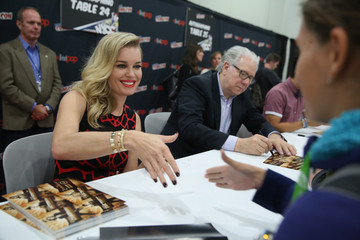 Rebecca Romijn TNT Press Hours, Signings and Panels at New York Comic Con