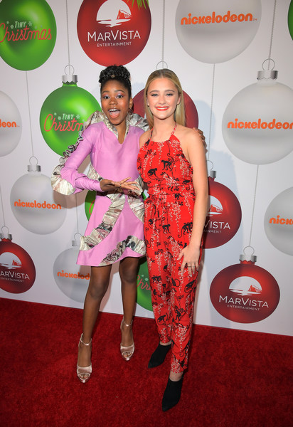 Tiny Christmas.Lizzy Greene In Red Carpet Premiere Of The Nickelodeon Movie