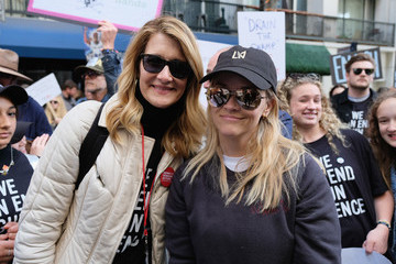 Reese Witherspoon Laura Dern March For Our Lives Los Angeles