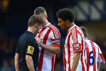 Referee Everton v Stoke City - Premier League