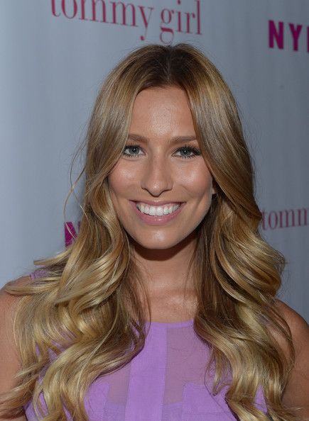 Renee Bargh Pictures