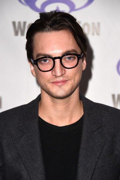Richard Harmon Photos ...