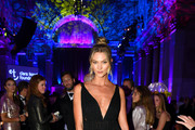 Karlie Kloss Photos Photo