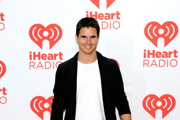 Robbie Amell iHeartRadio Music Festival - Day 2 - Backstage