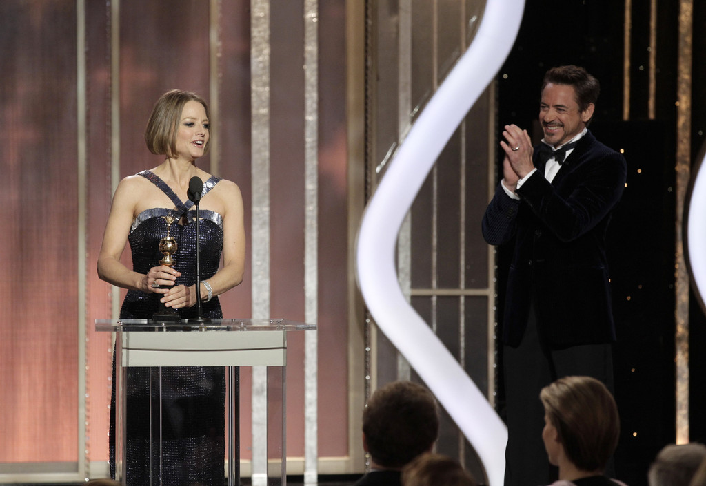 http://www4.pictures.zimbio.com/gi/Robert+Downey+Jr+70th+Annual+Golden+Globe+CAF8Hvh0GwJx.jpg