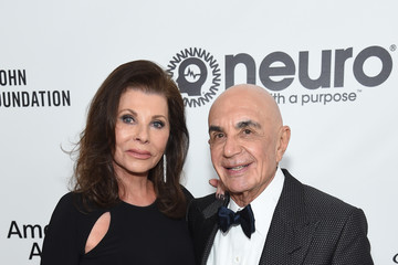 Robert Shapiro Linell Shapiro 27th Annual Elton John AIDS Foundation Academy Awards Viewing Party Sponsored By IMDb And Neuro Drinks Celebrating EJAF And The 91st Academy Awards - Red Carpet