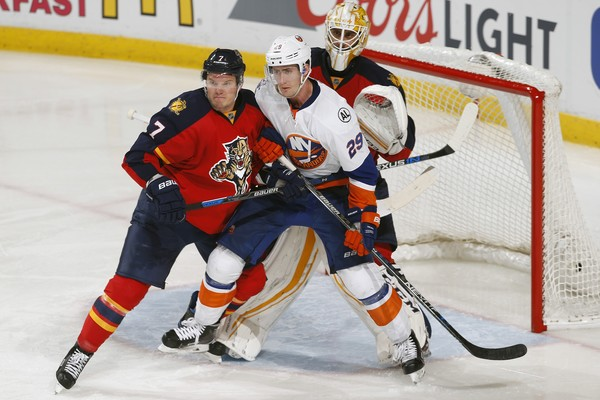 Roberto Luongo And Dmitry Kulikov Photos Photos New York Islanders