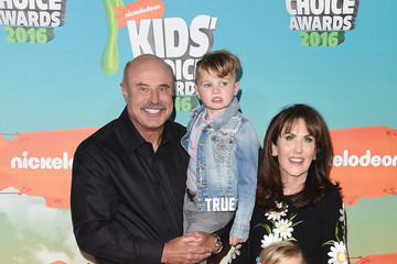 Robin Mcgraw Nickelodeon's 2016 Kids' Choice Awards - Arrivals