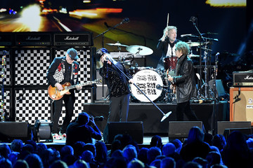 Robin Zander Tom Petersson MusiCares Person Of The Year Honoring Aerosmith - Inside