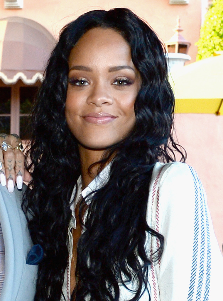 (Exclusive Coverage) Recording artist Rihanna attends the Roc Nation Pre-GRAMMY Brunch Presented by MAC Viva Glam at Private Residence on January 25, 2014 in Beverly Hills, California.
