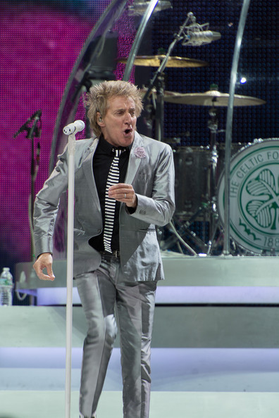 Rod Stewart Rod Stewart performs at Prudential Center on December 7, 2013 in Newark, New Jersey.