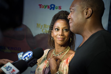 Rodney Peete Holly Robinson Peete My Brother Charlie Goes to Adventure Aquarium