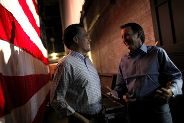 Tim Pawlenty Romney Campaigns With Pawlenty And Christie In New Hampshire