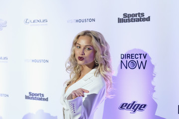 Rose Bertram Sports Illustrated Swimsuit 2017 NYC Launch Event