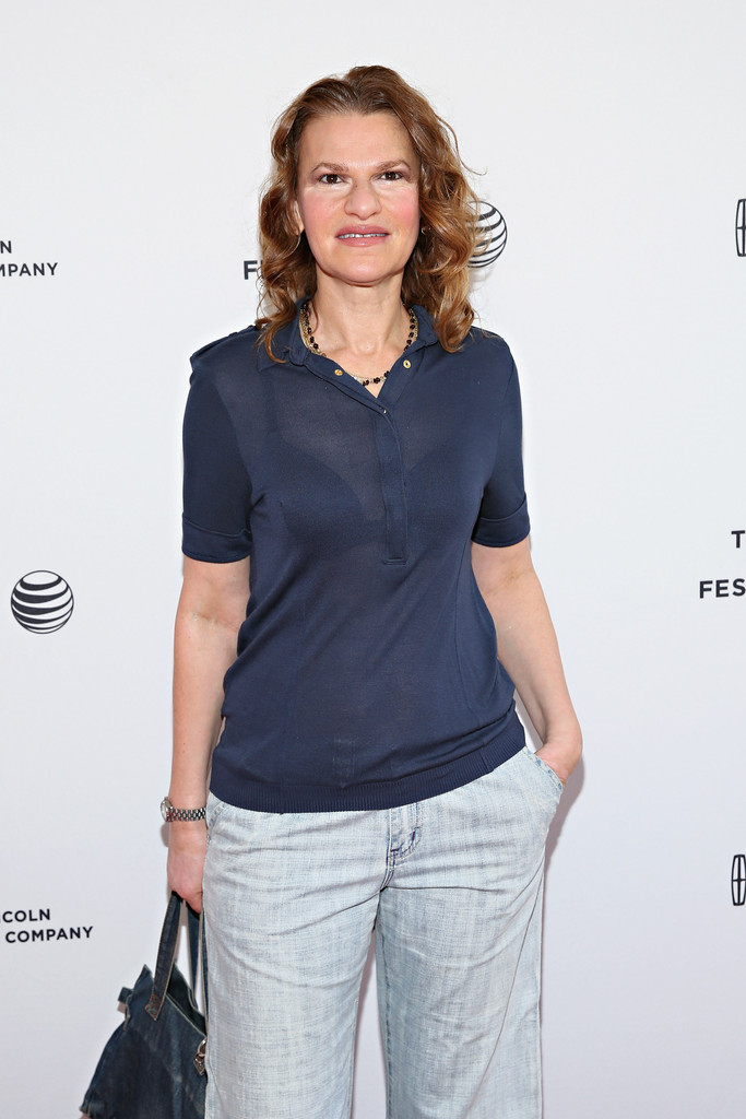 sandra bernhard nude photos