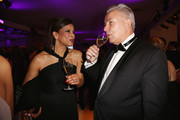 Jackie Brown (L) and Klaus Wowereit attend the Rosenball charity event at the Hotel Intercontinental on May 5, 2018 in Berlin, Germany.