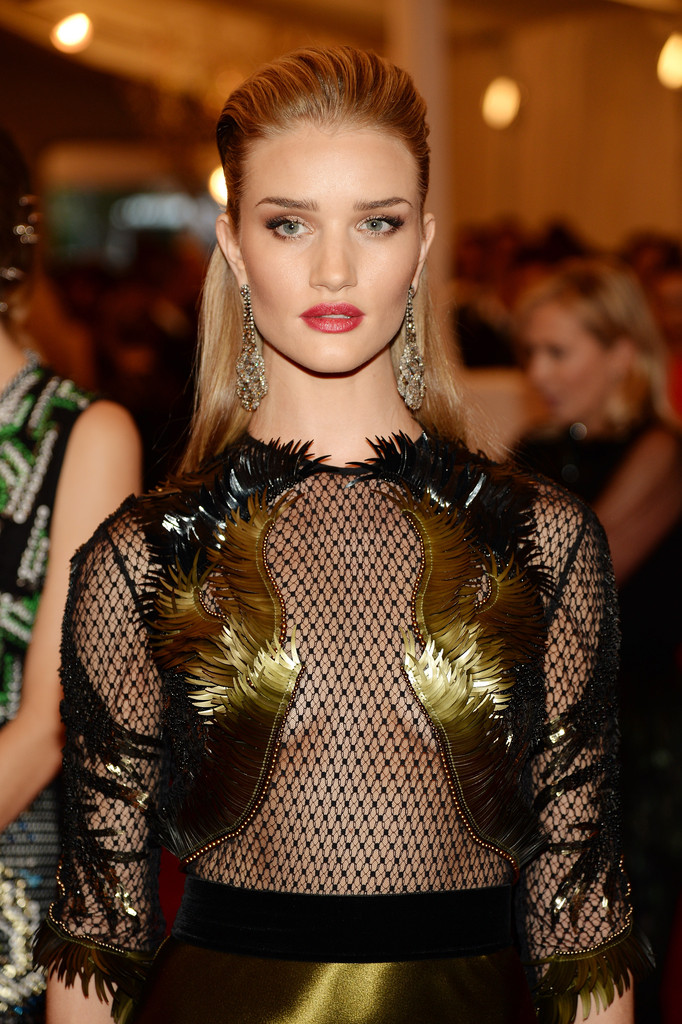 Rosie Huntington-Whiteley - Red Carpet Arrivals at the Met Gala