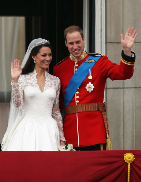 Kate+Middleton in Royal Wedding - The Newlyweds Greet Wellwishers From The Buckingham Palace Balcony