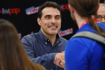 Rufus Sewell 2016 New York Comic Con - Day 3