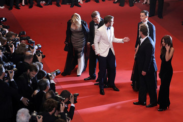 Russel Crowe Murielle Telio 'The Nice Guys' - Red Carpet Arrivals - The 69th Annual Cannes Film Festival