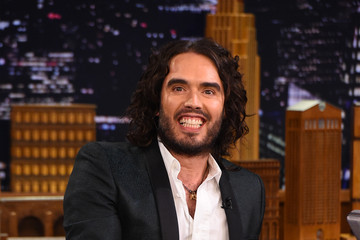 Russell Brand Russell Brand Visits 'The Tonight Show'